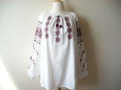 Vintage Stitched Peasant Plus Size Blouse by Baxtervintage on Etsy, $36.00