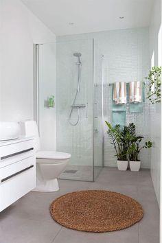 minimalista con toques de color ducha