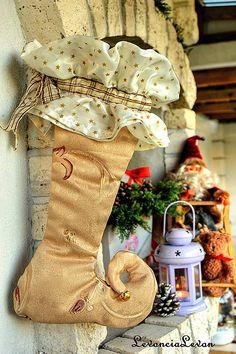 25 ,- € Christmas Stockings, Holiday Decor, Home Decor, Needlepoint Christmas Stockings, Decoration Home, Room Decor, Christmas Leggings, Home Interior Design, Home Decoration