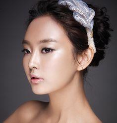 Glittering Bridal Make-up Style 2 / Korean Concept Wedding Photography - IDOWEDDING (www.ido-wedding.com)