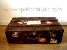 Maleta de madera antigua del siglo XIX ** Old wooden suitcase nineteenth century