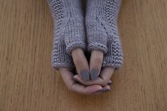 Ravelry: Heaven Mitts pattern by Lili Comme Tout