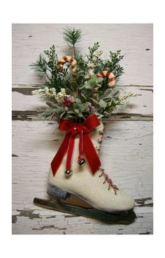 Dianna - what a great idea!!!!  I am going to do this!   Thanks for pinning this.  Oh Bev...this would be cute with your skates :)