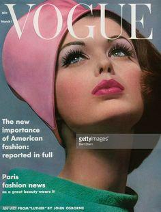 Vintage Vogue Covers Art for Sale Vogue Magazine Covers, Fashion Magazine Cover, Fashion Cover, 1960s Fashion, Vogue Fashion, Fashion Vintage, Vintage Couture, Fashion Hair, Gothic Fashion