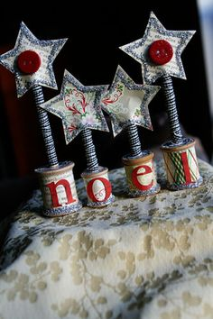 Noel star project made with spools, pencils, glitter, paper, and buttons. Merry Christmas, Christmas Makes, Winter Christmas, Vintage Christmas, Burlap Christmas, Father Christmas, Wooden Spool Crafts, Wooden Spools, Christmas Projects