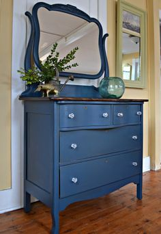 Heir and Space: An Antique Dresser in Deep Blue Red Painted Furniture, Painting Antique Furniture, Painted Drawers, Blue Furniture, Country Furniture, Refurbished Furniture, Diy Furniture Fix, Recycled Furniture, Furniture Makeover