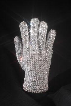 Michael Jackson's White Swarovski Crystal Glove ( Est. value 20 to 30 thousand dollars American )