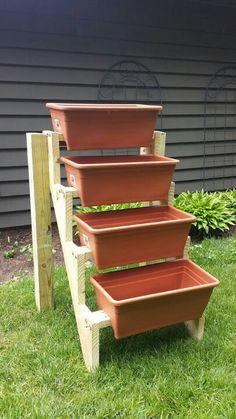(With images) Outdoor Planter Boxes, Vertical Planter, Vertical Garden Diy, Diy Herb Garden, Vegetable Garden Design, Garden Planters, Backyard Garden Design, Garden Landscape Design, Houston Garden