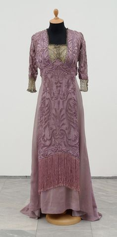 Couture house Redfern, Engagement dress; France, Paris, 1909; silk, pearls, metal thread, lace;