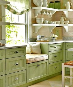 Window seat in the kitchen! - Window seat in the kitchen! - Window seat in the kitchen! – Window seat in the kitchen! Interior, Home, Window Seat Kitchen, Beach Cottage Kitchens, House Styles, Cottage Kitchen, Home Kitchens, Kitchen Cabinet Colors, Cottage Kitchens