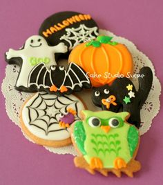 Especially love the colours of the owl!...Halloween Cookies 2012...from kururu 705 on flickr