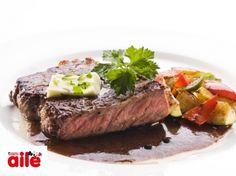 Salçalı Biftek - Hem doyurucu hem de çok lezzetli! http://www.hurriyetaile.com/evimiz/yemek-tarifleri/salcali-biftek_1355.html