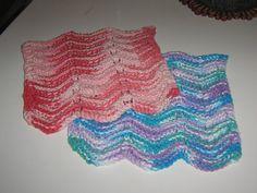 Patrons des lingettes ou lavette selon... - Pour Péter d'la BROUE Knitted Slippers, Becca, Lace Shorts, Knit Crochet, Outdoor Blanket, Knitting, Chiffons, Bonnets, Patterns