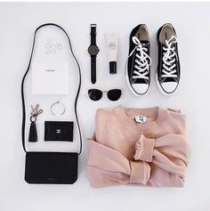 Perfect combo by flatlays Flat Lay Photography, Clothing Photography, Product Photography, Photography Topics, Converse, Flatlay Styling, Minimal Chic, Trends, My Photos