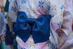 Reference Pack: 38 photos of Yukatas by Rusty. Collection of traditional Japanese Yukatas.