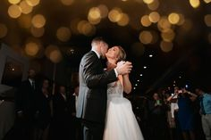 Click to scroll through photos from this beautiful New York fall wedding // Aperitivo Bistro Wedding Photography //  New York Wedding Venue // New York Wedding Photographer // New York Wedding Photography // Austin Wedding Photographer // Austin Wedding Photography