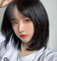 Blonde Hair Korean, Korean Short Hair, Asian Hair, Short Hair With Layers, Short Hair Cuts, Black Hair Japanese, Medium Hair Styles, Curly Hair Styles, Pink And Black Hair