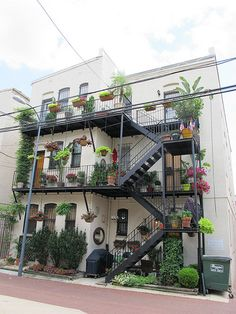 66 Ideas for garden balcony ideas fire escape Outside Stairs, Outdoor Stairs, Rooftop Garden, Balcony Garden, Balcony Ideas, Balcony Bar, External Staircase, Cool Fire, Exterior Stairs