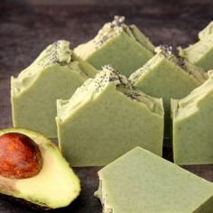 + Spearmint Cold Process Soap Tutorial This Avocado and Spearmint Soap is made with real avocado, spearmint essential oils and French green clay.This Avocado and Spearmint Soap is made with real avocado, spearmint essential oils and French green clay. Body Tutorial, Savon Soap, Homemade Soap Recipes, Homemade Facials, Cold Process Soap, Sweet Almond Oil, Bath Salts, Bath Fizzies, Home Made Soap