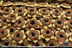 Czech Recipes, Christmas Baking, Mini Cupcakes, Nutella, Cookie Recipes, Sweet Tooth, Almond, Sweets, Cookies