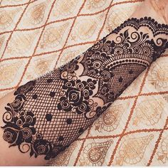 Lace Henna by Love it! Lace Henna by Love it! Henna Hand Designs, Unique Mehndi Designs, Beautiful Mehndi Design, Bridal Mehndi Designs, Henna Tattoo Designs, Bridal Henna, Mehndi Tattoo, Henna Tattoos, Lace Sleeve Tattoos