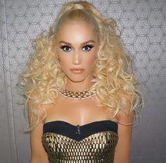 Hell yes my Queen - Gwen Stefani looks so damn Hot! Gwen Stefani Hair, Gwen Stefani No Doubt, Gwen Stefani And Blake, Gwen Stefani Style, Gwen And Blake, Blake Shelton And Gwen, Gwen Stephanie, The Voice, Up Girl
