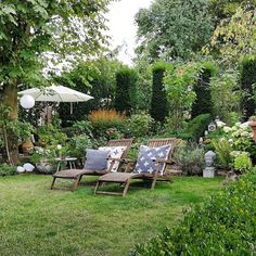 my current favorite cookie - Garten - Balcony Furniture Design Hydrangea Care, Garden Cottage, Diy Garden Decor, Backyard Landscaping, Amazing Gardens, Garden Inspiration, Garden Furniture, Outdoor Gardens, Rustic Gardens