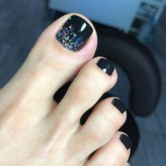 Pretty Toe Nails, Cute Toe Nails, Pretty Nail Art, Toe Nail Art, Nail Art Diy, Pretty Toes, Toenail Polish Designs, Dark Nail Designs, Ombre Nail Designs