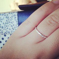 De todo dia.. Meu piloto de testes #anel #prata #torcido #joalheriacontemporanea #caixadamamãe