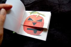 printable pumpkin face book (adorable, free template!)