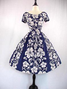 1960s Hawaiian print dress
