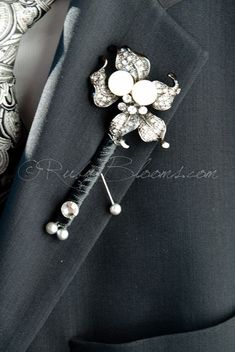 Art Deco Crystal Pearl Groom Boutonniere from Ruby Blooms Brooch Boutonniere, Broach Bouquet, Wedding Boutonniere, Celtic Wedding Rings, Art Deco Jewelry, Jewelry Rings, Groom And Groomsmen, Wedding Bouquets, Marie