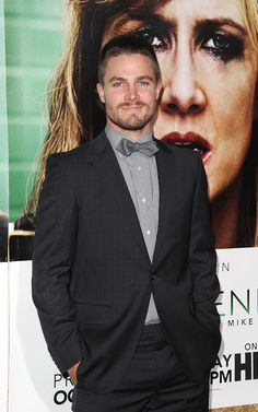 Pin for Later: 20 Photos de Stephen Amell Qui Vont Vous Donner Envie de Regarder Arrow