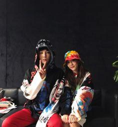 Sandara Park Thanks G-Dragon After Performing Together In Manila 2ne1, Kanye West, Sandara Park Fashion, Gd And Cl, G Dragon Instagram, G Dragon Fashion, Yg Artist, Korean Best Friends, G Dragon Top