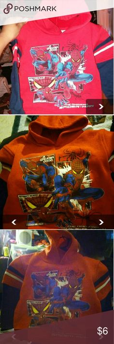 Boy hooded sweater 4t Nice sweater don't fit my son no more really good condition Sweaters