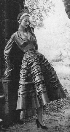 1948 dress ''Diamant Noir''.Dior