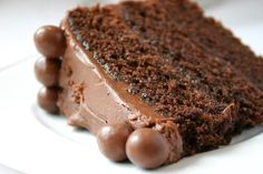 Chocolate Malt Cake - Paula Deen's - mmm ... <3 that between cake & frosting there is 1 1/2 cups of Horlicks/malt powder used!