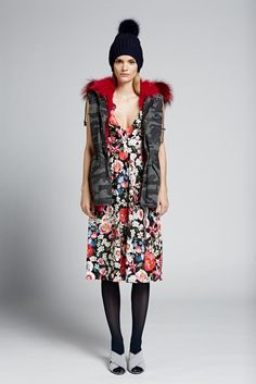 Jocelyn's contemporary fur collection has cozy, chic sensibility with casual fashion forward street style, and a touch of glam. Autumn Winter Fashion, Fall Winter, Camo Vest, Fashion Essentials, Fashion Forward, Blade, Floral Outfits, Winter Hats, Punk