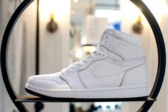 b105ee0f45d Available in Mens and GS sizing the Air Jordan 1 Retro High OG