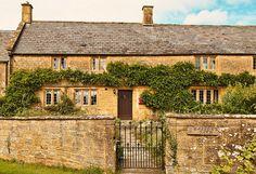 Farmhouse in Tintinhull, Somerset built of Ham stone.
