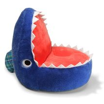blue shark chair - this would be perfect for my little Mavs surf room! Underwater Bedroom, Shark Bedroom, Underwater Theme, Boy Room, Kids Room, Surf Room, Surf Nursery, Shark Plush, Blue Shark
