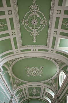 theladyintweed: TheLadyInTweed The interior of Milton in Cambridgeshire The English Country House by James Peill Source Ceiling Detail, Ceiling Design, Ceiling Ideas, Le Havre, Foo Dog, Classic Interior, Beautiful Buildings, Beautiful Architecture, Classical Architecture