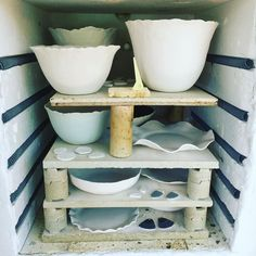 It feels like forever since I have had the kiln on school holidays makes studio time precious. It is so hot in Sydney though my studio will be unbearable!  #ceramicbowl #ceramics #handmade #handcrafted #handpainted #porcelainbowl #porcelain #lumina #australianceramics #australiandesign #pottery #potterybowl #nicolahartstudios #gifts #giftsforher #kiln #38degrees