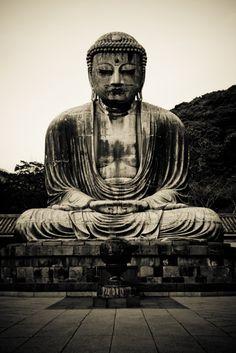 """""""Simplicidade não é sobre a privação, mas sobre a criação de espaço para viver"""" - Siddharta Gautama, Buda."""