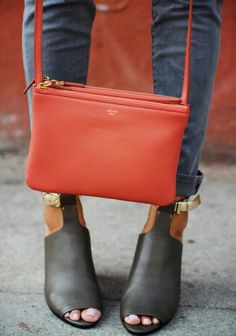 ★love the color of this purse