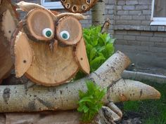 Wood owls - Wood How to Crafts Wood Log Crafts, Wood Slice Crafts, Easy Woodworking Projects, Wood Projects, Recycled Art Projects, Wood Owls, Wood Animal, Block Craft, Owl Crafts