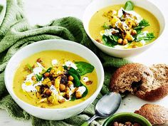 Our popular recipe for ravishingly delicious cauliflower soups and more than other free recipes on LECKER. Furiously delicious cauliflower soup recipe DELICIOUS Mary JoMaAnTe Suppen und Eintöpfe Our popular recipe for ravishingly deliciou Cauliflower Soup Recipes, Cauliflower Curry, Chicken Recipes, Benefits Of Potatoes, Traditional Thanksgiving Recipes, Chickpea Soup, Filling Food, Fries In The Oven, Different Recipes