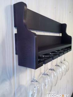 Крафтовая полка для вина с держателями бокалов – SECOND.BY