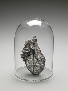 Anatomia de ganchillo y metal, por Anne Mondro