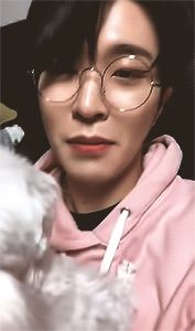 Youngjae and Coco (this reminded me of Jonghyun and Roo, but nevermind) WHY IS HE SUCH A SQUISH IN THOSE GLASSES?!!!!